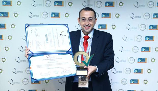 """JRM recebe certificado de """"Empresário do Ano 2014"""""""