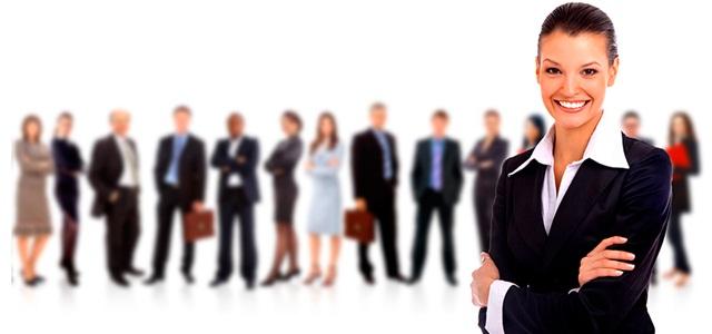 Gestão Estratégica de Pessoas: Confira sua definição - pessoa à frente de equipe