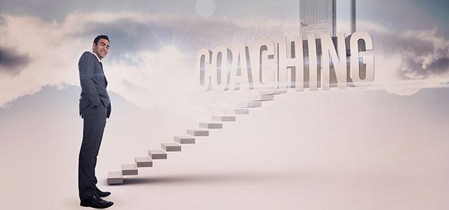Profissional subindo na carreira com o Coaching