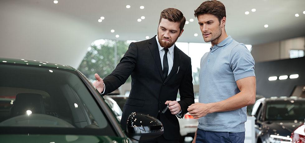 Vendedor mostrando como abordar um cliente pela primeira vez