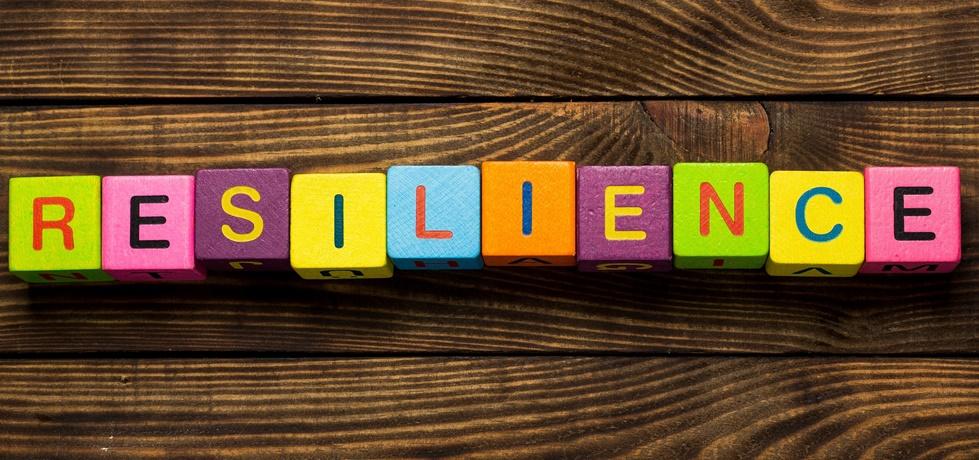 Cubos escrito resiliente